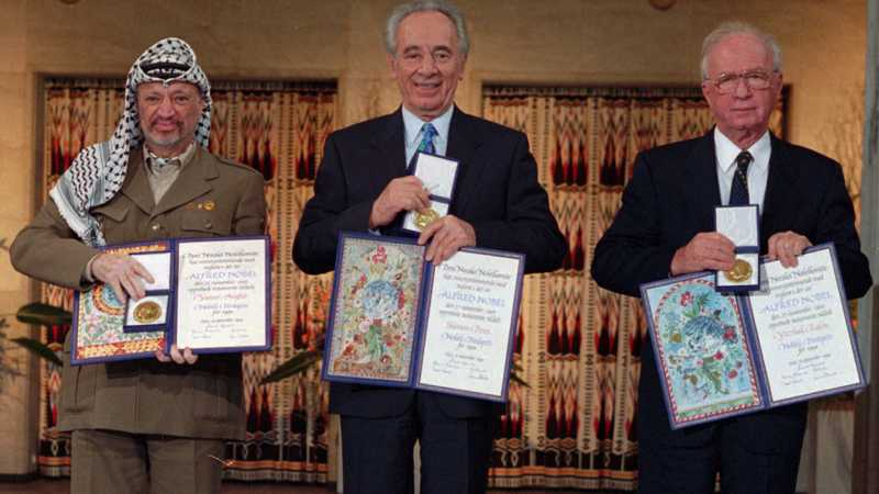1994 fick Yassir Arafat, Shimon Peres och Yitzhak Rabin fredspriset för sitt arbete att möjliggöra en fredsprocess i Mellanöstern.