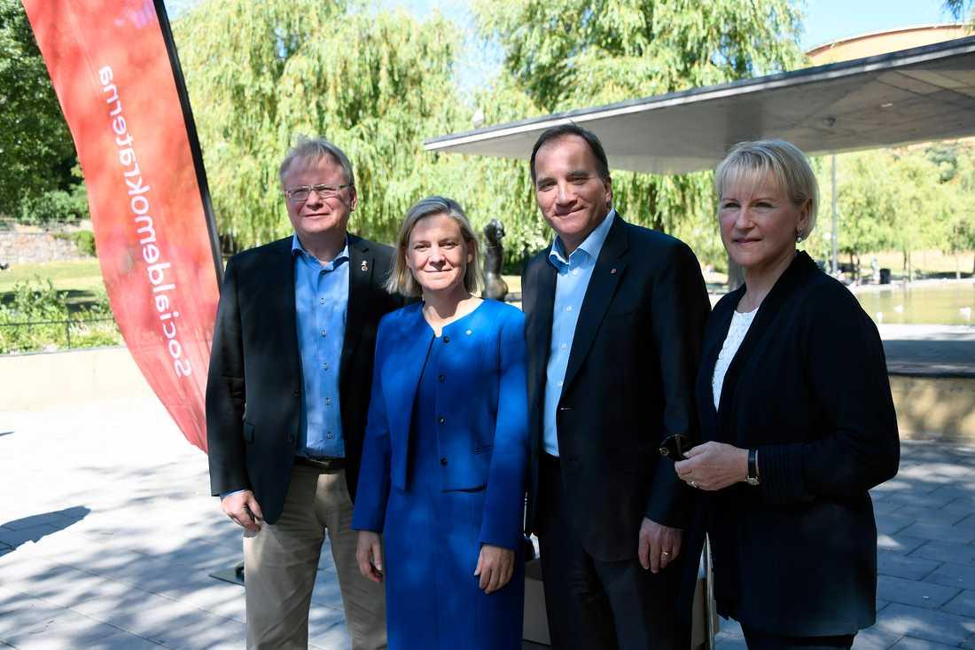 Försvarsminister Peter Hultqvist, finansminister Magdalena Andersson, statsminister Stefan Löfven och utrikesminister Margot Wallström kommer att utgöra socialdemokraternas vallokomotiv under valrörelsen.