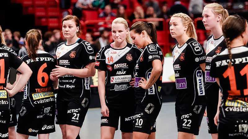 Rönnbys spelare deppar efter SM-finalen i våras.