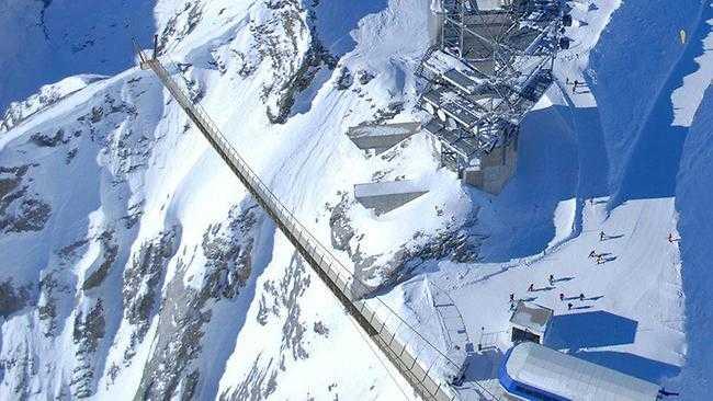 Europas högst belägna hängbro finns i de schweiziska alperna.