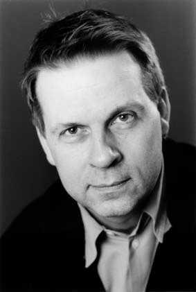 2002 blev Fredriksson chef för Stockholms stadsteater.