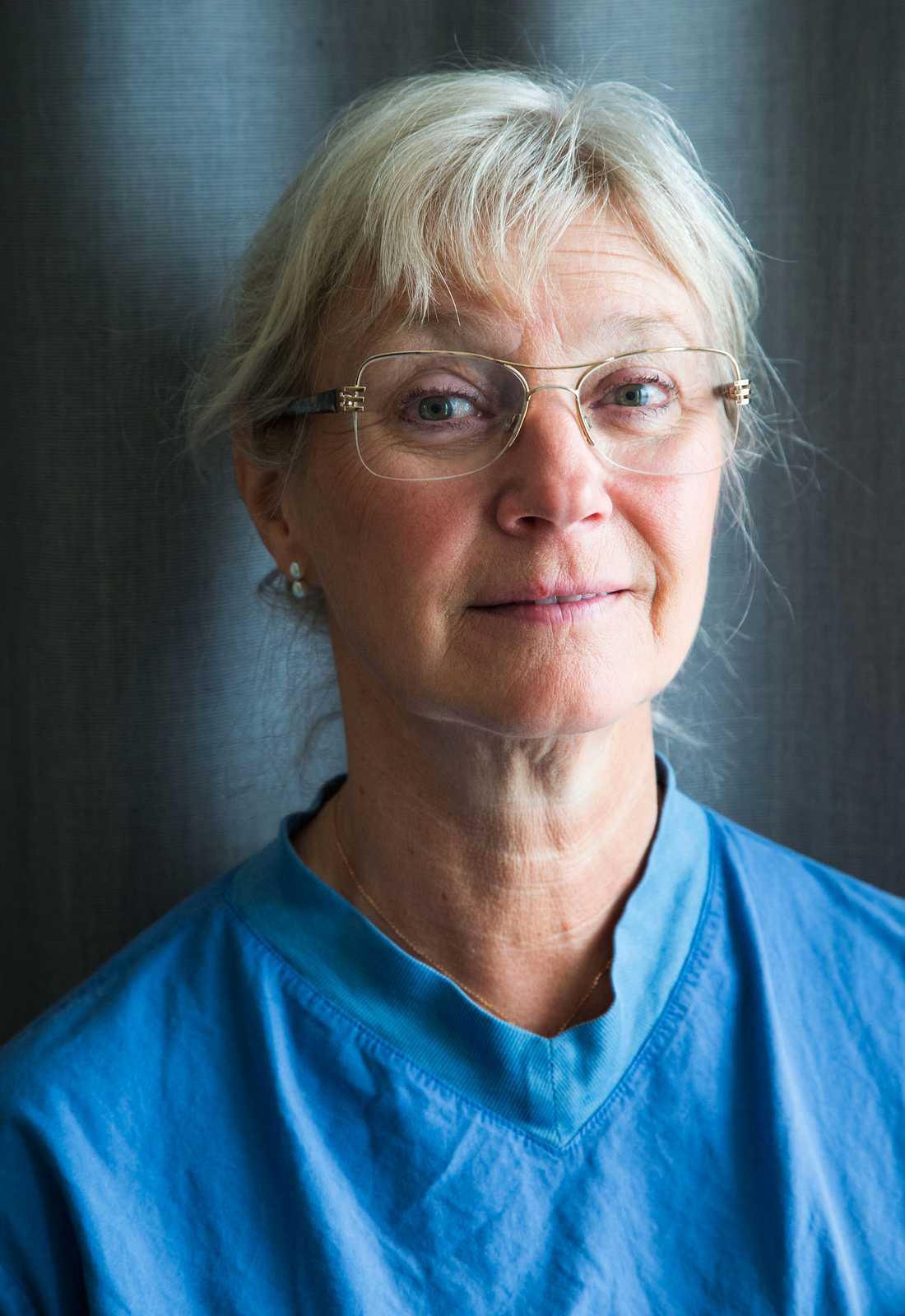 Eva Uustal är sakkunnig i rapporten från SBU om förlossningsskador på ändtarmens slutmuskel och en pionjär inom området.