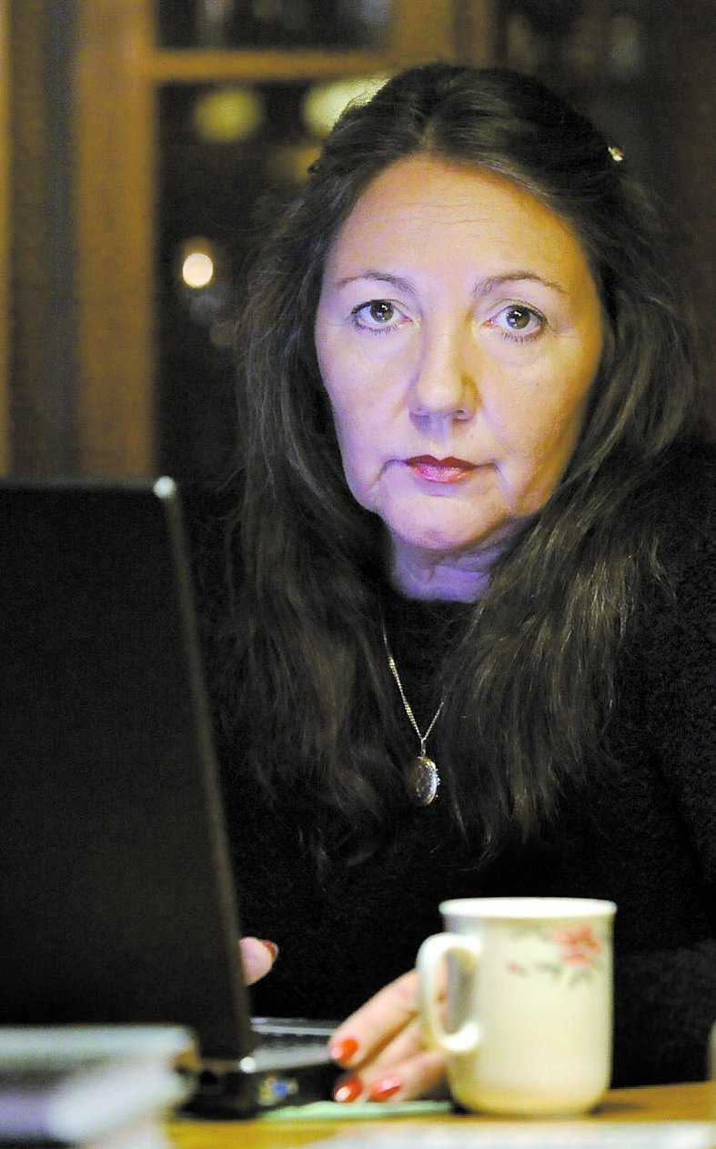 """Ramona Fransson Författare, har varit en av de mest ihärdiga bloggarna. """"Men jag fick verkligen inte många positiva kommentarer"""", säger hon."""