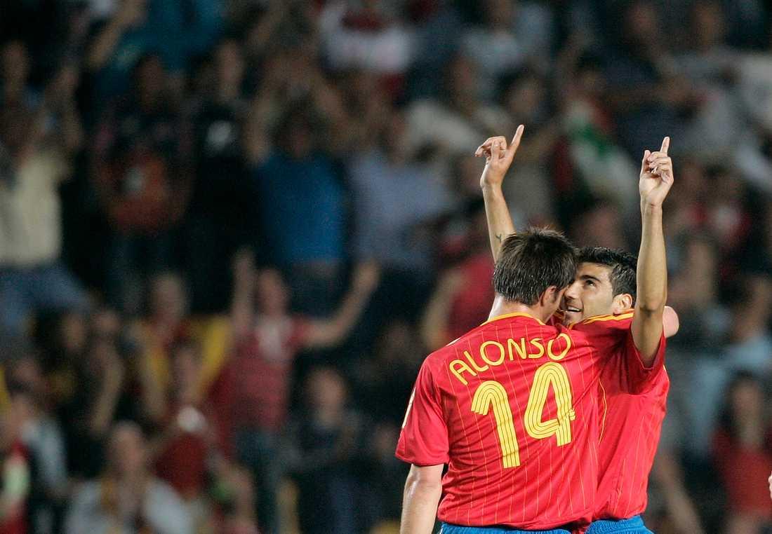 José Antonio Reyes och Xabi Alonso i det spanska landslaget