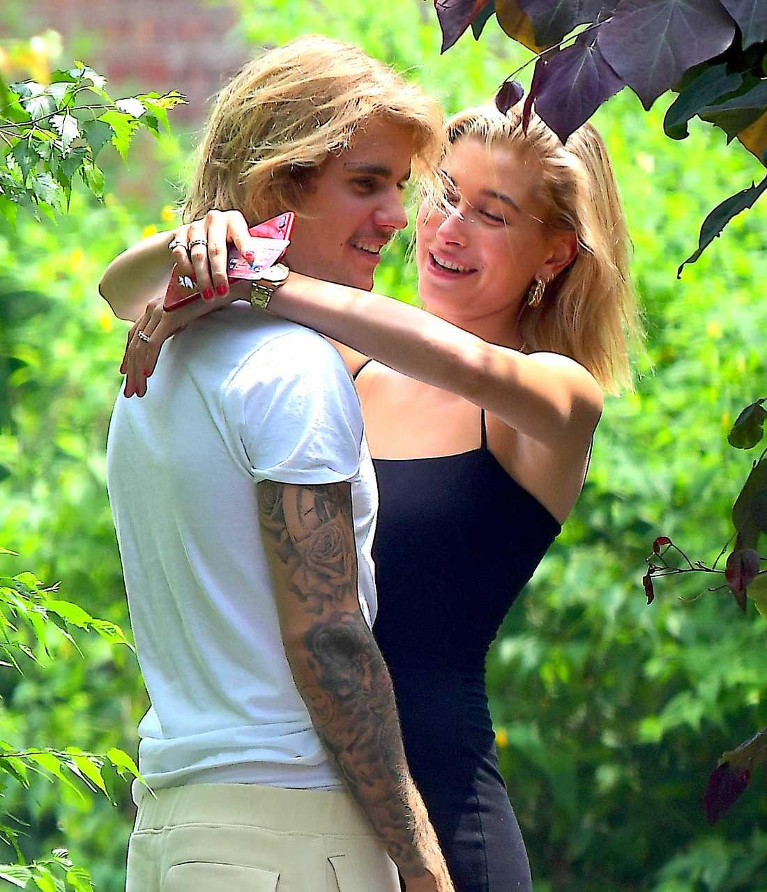 Justin Bieber och Hailey Baldwin har gift sig borgligt.