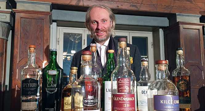 """""""Vi har aldrig haft ett så bra startfält som den här gången"""", säger whiskyjournalisten och tävlingsgeneralen Henrik Aflodal."""