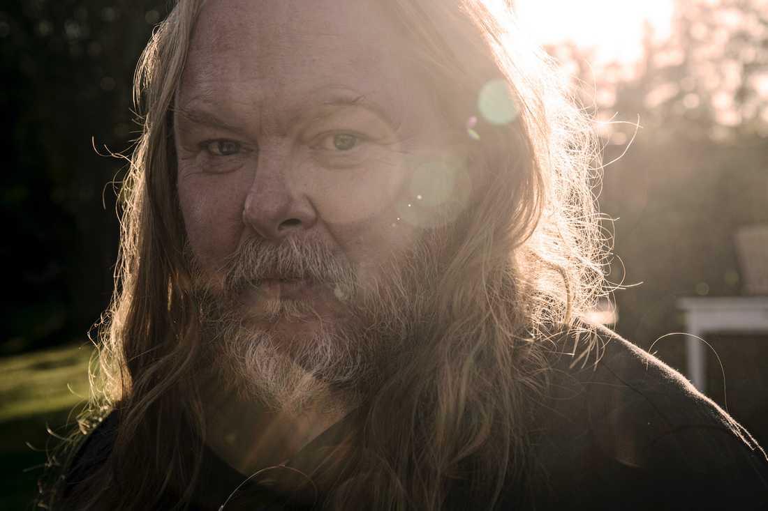 Mattias Alkberg har släppt 30 album på lika många år.
