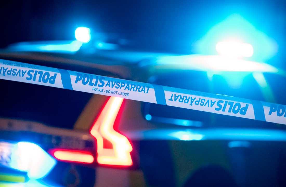 En person har gripits i södra Stockholm efter att ha försökt köra på en polis. Arkivbild.