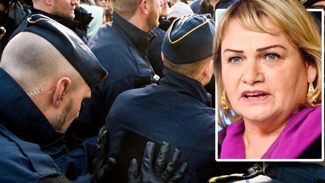 Soraya Post vill att Stockholmspolisen ska be EU-medborgarna om ursäkt.