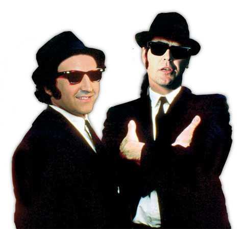 """SOM PÅ FILM Reinfeldt och Borg som """"Blues Brothers""""."""