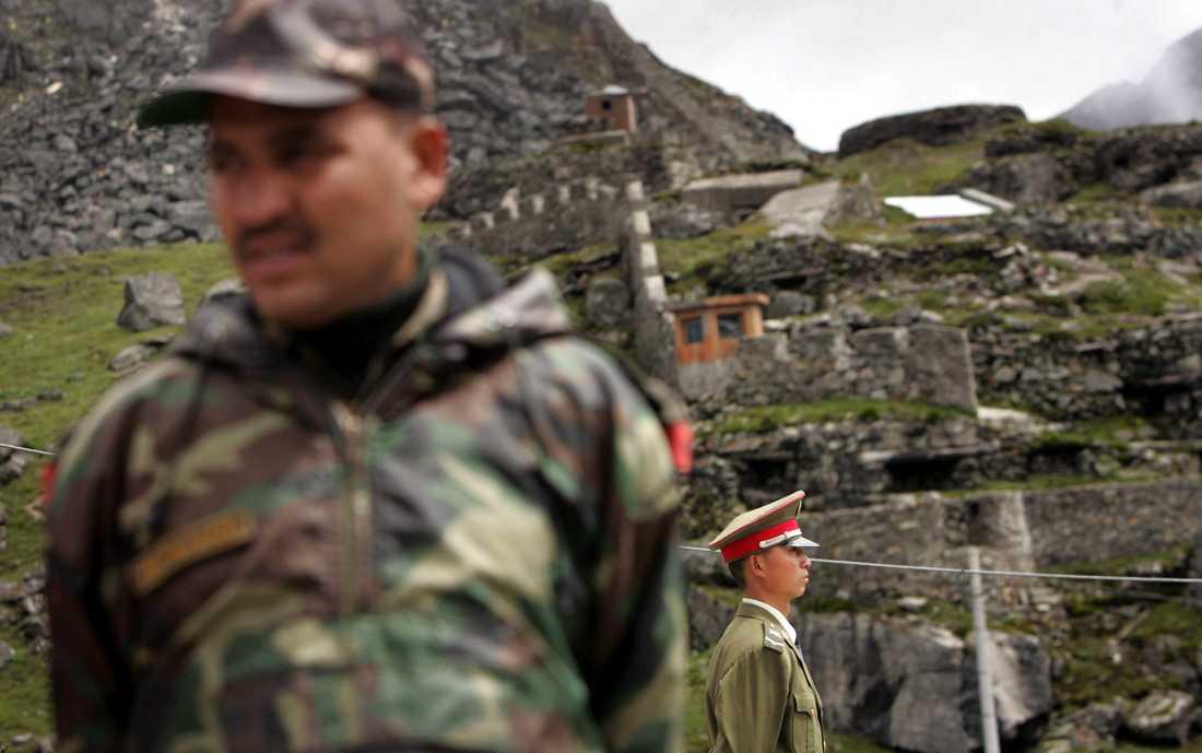 Indiska och kinesiska gränssoldater drabbade samman i ett slagsmål nära gränsstationen Nathu La som här syns på bilden. Arkivbild från 2006.