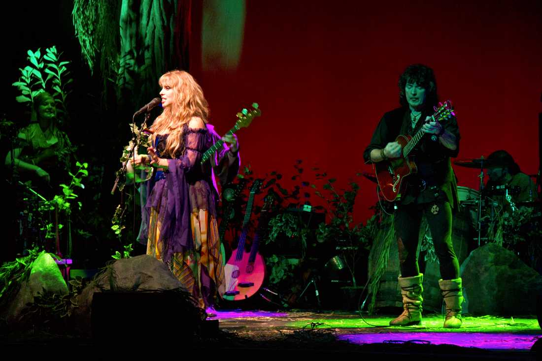 Blackmore's Night vid en konsert.
