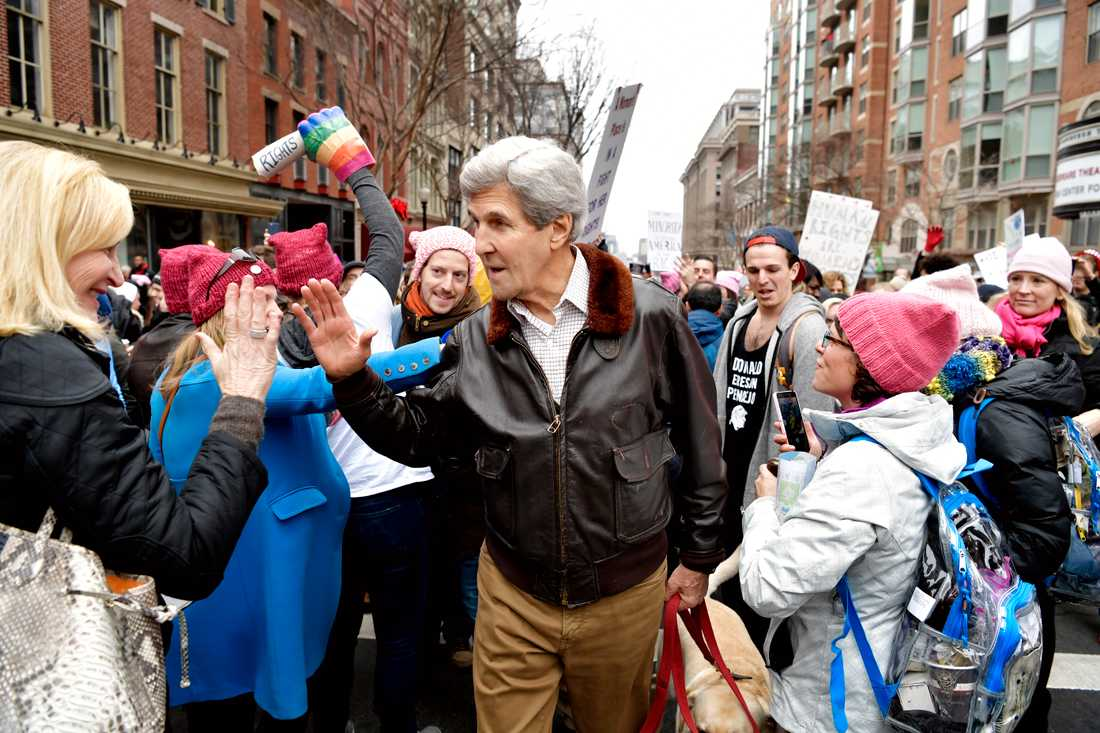 John Kerry dök upp på gatan.