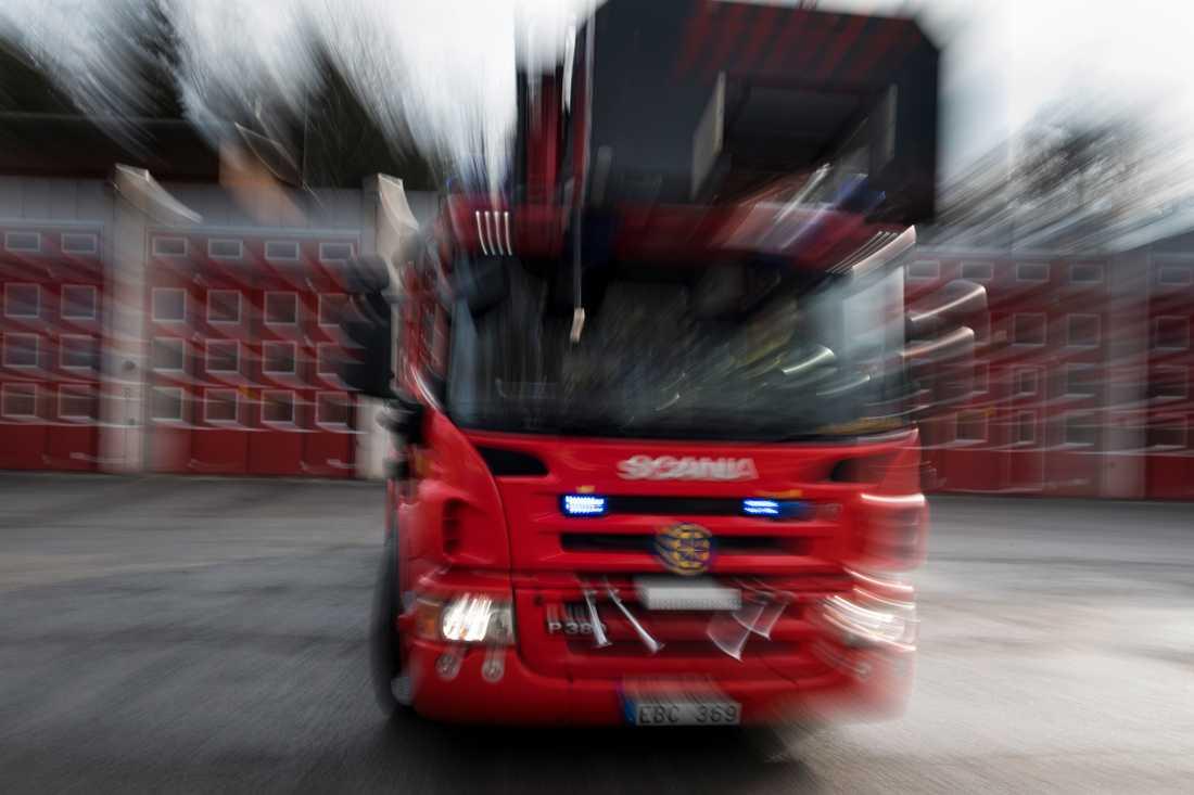 Två gånger om i natt fick bränder släckas i Malmö.