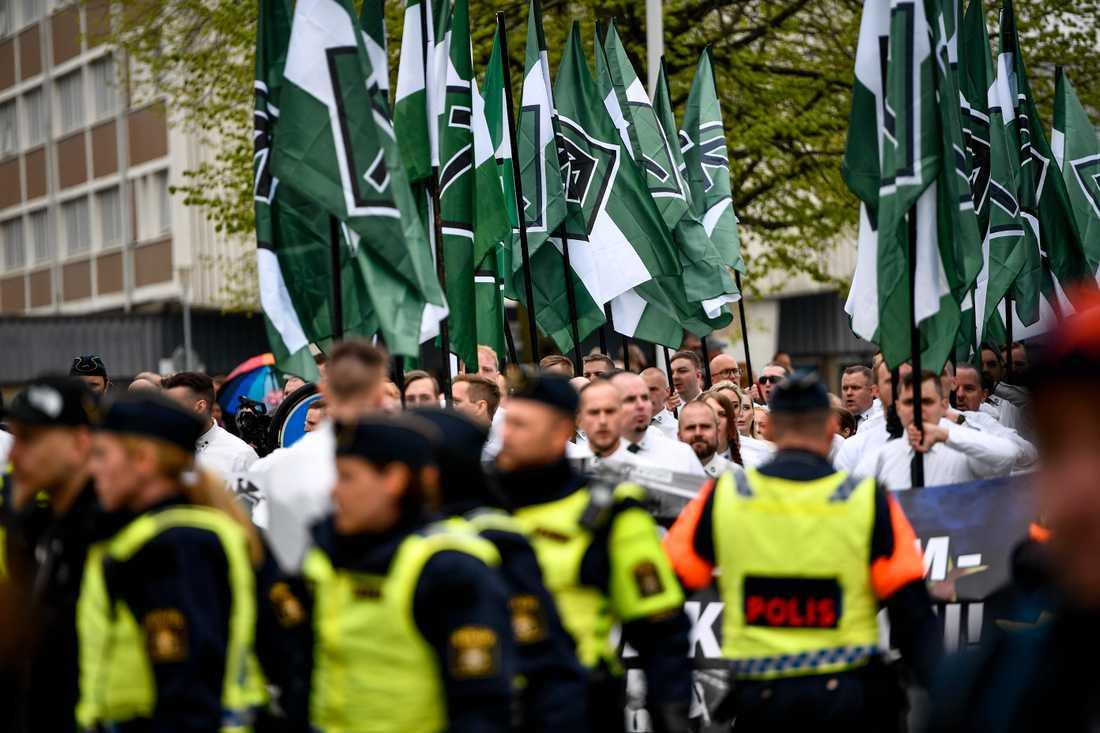 Demonstrationen den 1:a maj i fjol var stökig – nu flyttar NMR årets demonstration från Kungälv till Uppsala.
