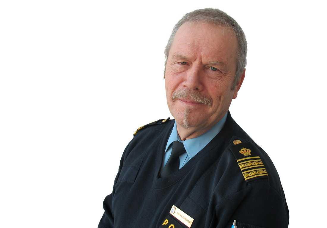 """Polisens presstalesperson Stefan Dangardt har aldrig varit med om att någon både vandaliserat och skadat djur: """"Hänsynslöst beteende""""."""