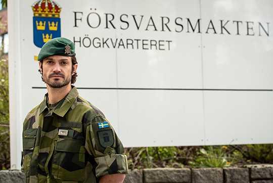 Prins Carl Philip tjänstgör nu vid Försvarsmakten.