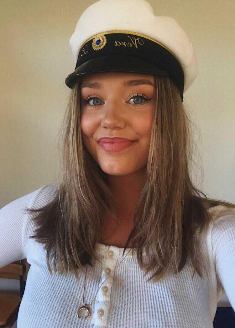 """""""Vi vill sprida positiva budskap"""", säger 18-åriga Vera Litens."""