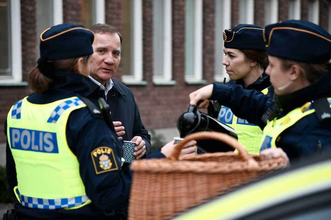 Stefan Löfven besökte polisen i Göteborg.