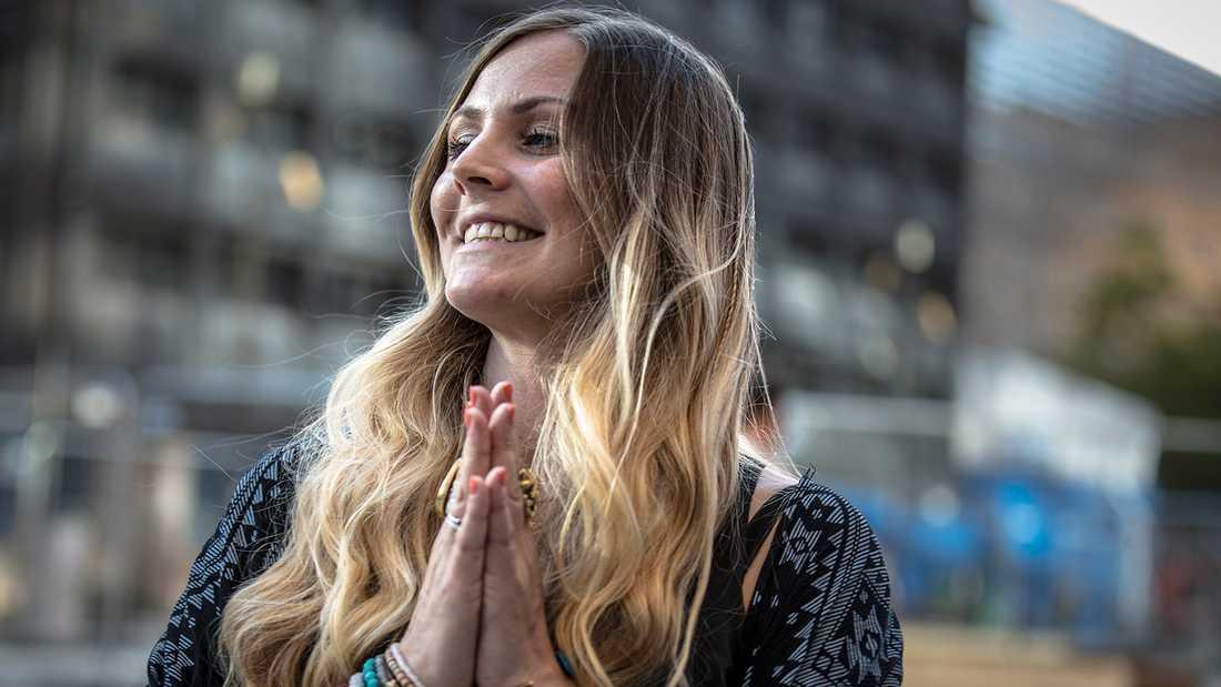 "Rachel Bråthén, ""Yoga girl""."