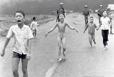 Fotografiet på 9-åriga Kim Phuc vann World Press Photo of the Year 1972.