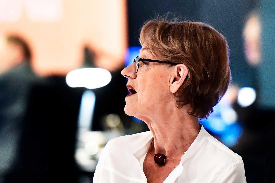 Fi:s tidigare partiledare Gudrun Schyman fick chockprognosen i SVT:s studio.