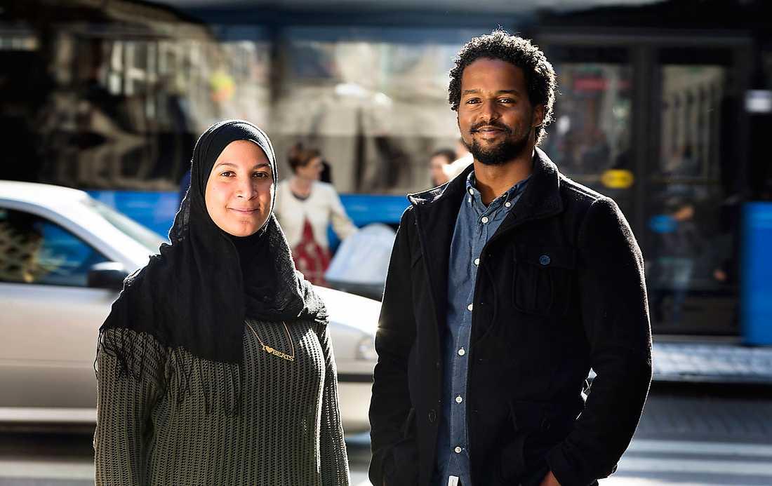Vill stärka samhället Sabrin Jaja och Ahmed Ibrahim berättar att Pantrarna arbetar med sociala program och aktiviteter för ungdomar för att, som de uttrycker det, skapa ett mer hållbart samhälle. Foto: Thomas Johansson