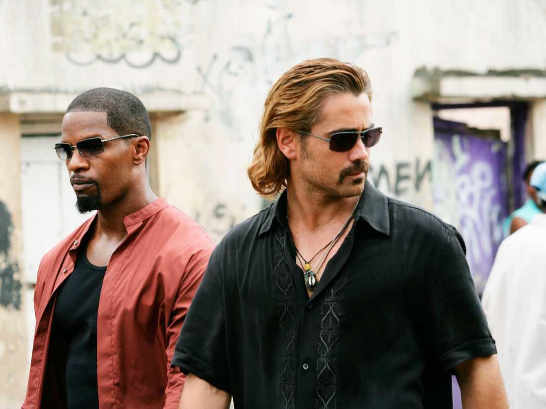 """Colin Farrell som """"Sonny Crockett"""" och Jamie Foxx som """"Ricardo Tubbs"""" jagar skurkar i """"Miami vice"""". Rollbilder."""