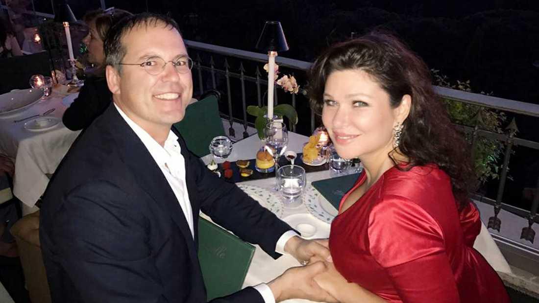 Dominika Peczynski och Anders Borg under förlovningsresan till Rom.