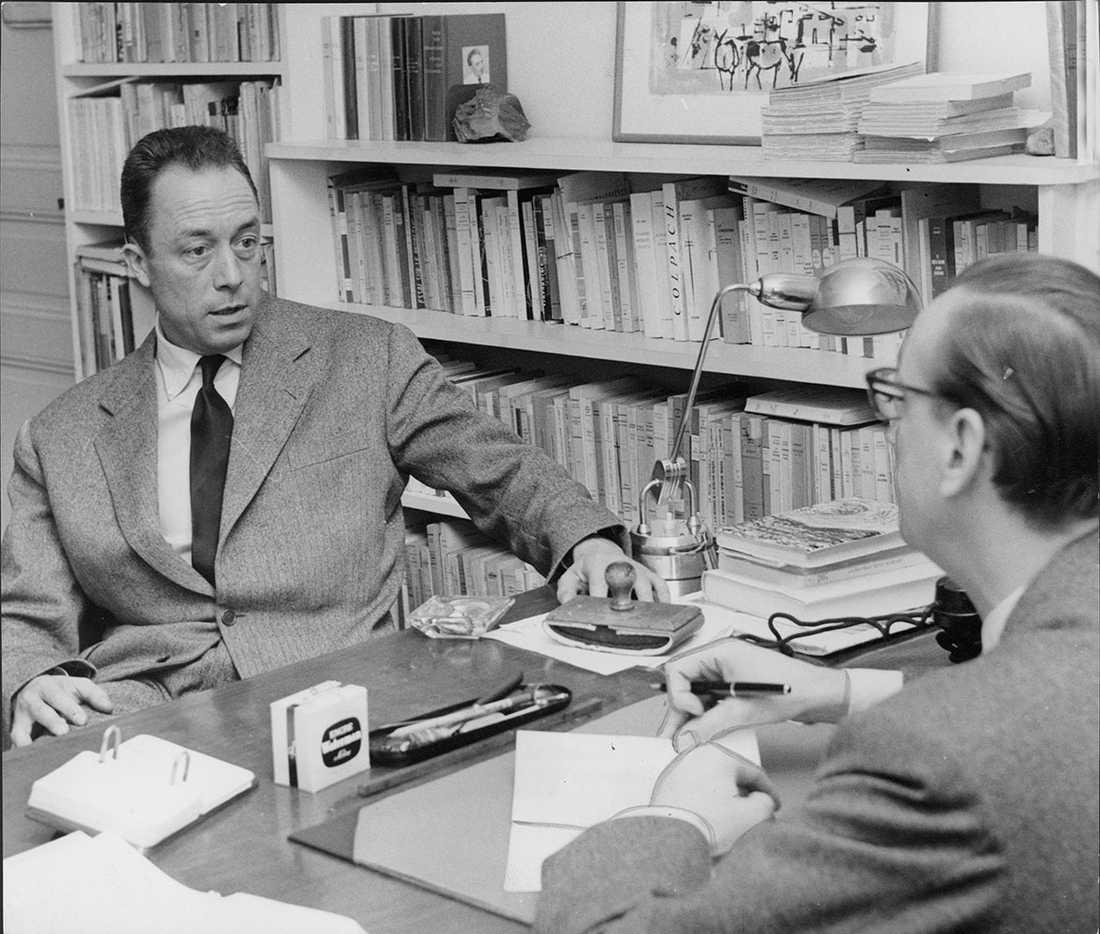 Knut Ståhlberg intervjuar Nobelpristagaren Albert Camus för Stockholms-Tidningen.