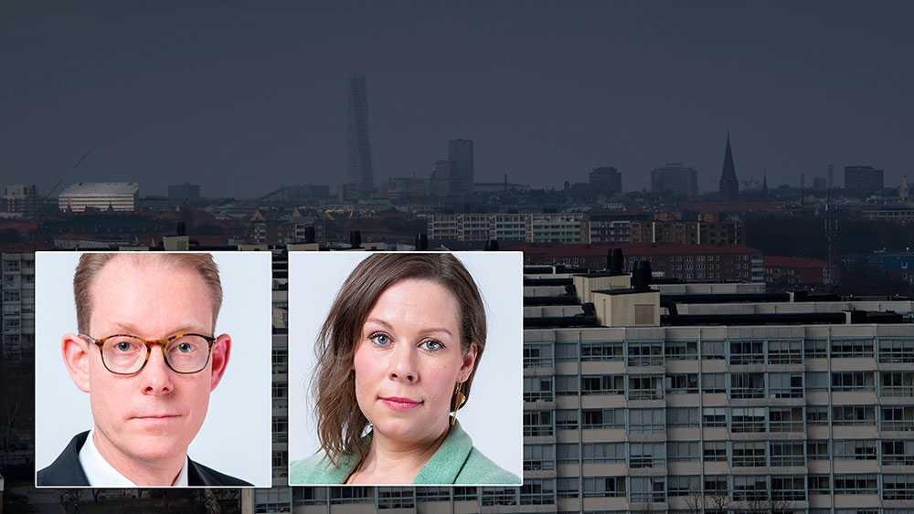 Fördelningen av nyanlända mellan kommuner styrs av exempelvis jobbläget och kommunens befolkningsstorlek. Här behöver fler faktorer vägas in. Vi menar att lagen också ska ta hänsyn till bostadssituationen i kommunen, skriver Tobias Billström och Maria Malmer Stenergard (M).