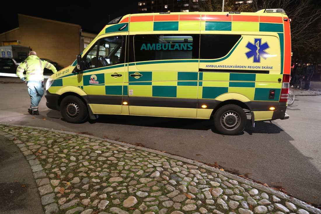 En pojke i Malmö fördes med ambulans till sjukhus sedan han blivit påkörd av en personbil. Arkivbild.