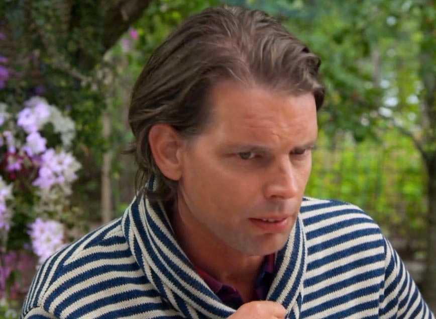 """I """"Fest hos Bindefeld"""" berättade Alex Schulman om släktfejden med David Lagerkrantz"""