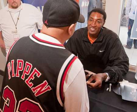 Scottie Pippen spelade i Chicago Bulls under storhetstiden på 90-talet då laget leddes av Michael Jordan. Obama kommer från Chicago.