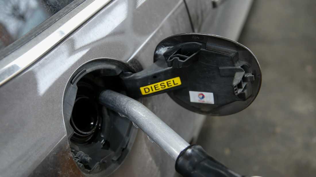 Priset på bensin och diesel höjs igen. Arkivbild.