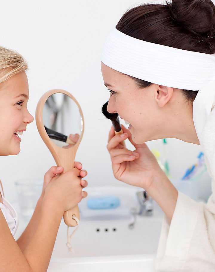 Psykologer som forskat om utseendefixering liknar åldrandet vid en fobi hos unga kvinnor. Idealen för vi sedan vidare till våra barn.