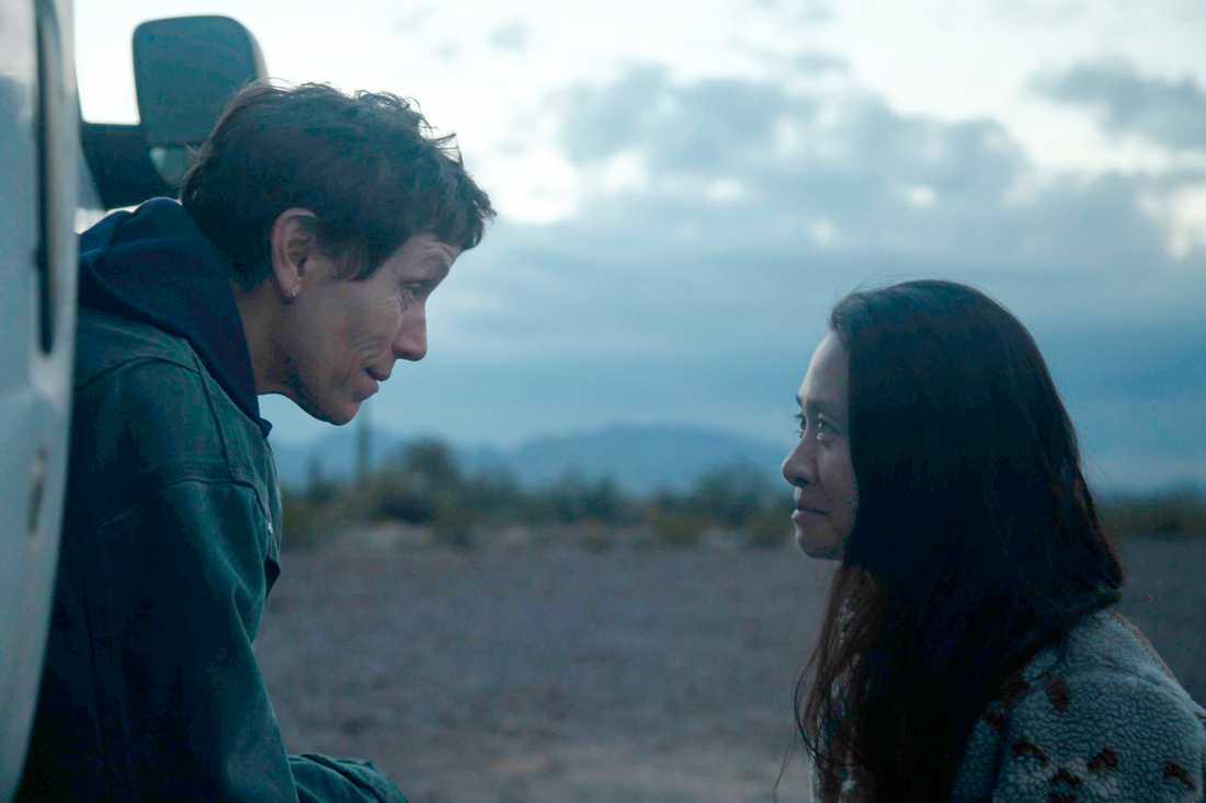 "Chloé Zhao regisserar Frances McDormand i ""Nomadland"". Arkivbild."