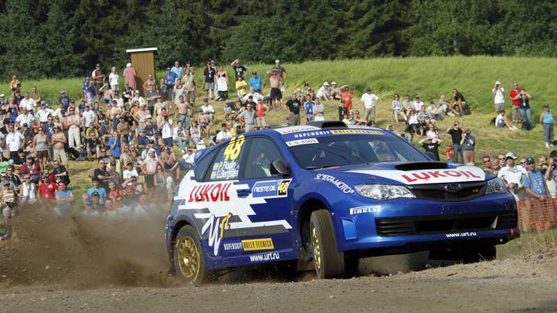 Vid VM-tallyt i Finland tvingades Patrik Flodin bryta sedan motorn gått sönder. Nu väntar tyska VM-rallyt på asfalt.