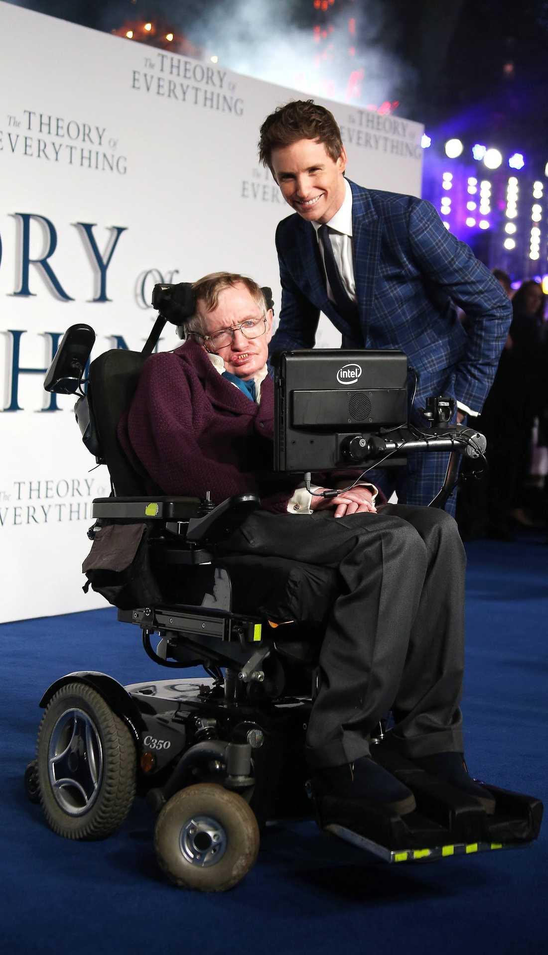 OOPS! Pratkvarnen Eddie Redmayne kom in på astrologi under samtalet med Stephen Hawking.