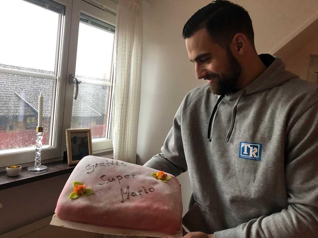Mario Lipovac storvinst firades med tårta.