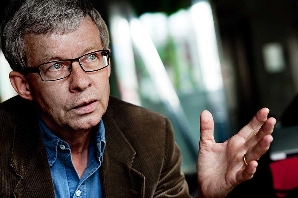 """""""Politiker är populister som håller upp fingret och ser vart det blåser, men inte i den här frågan"""", säger Torbjörn Tännsjö, professor i praktisk filosofi."""