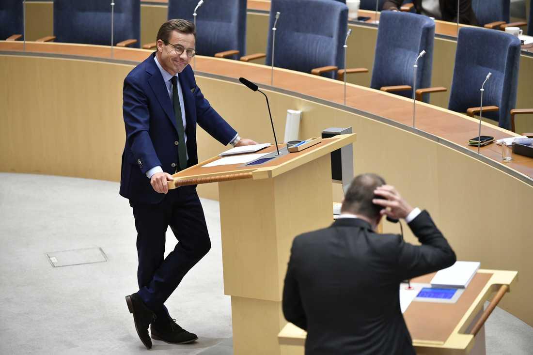 Moderatledaren Ulf Kristersson attackerade statsminister Stefan Löfven (S) för att inte förstå problemet med gängkriminaliteten.