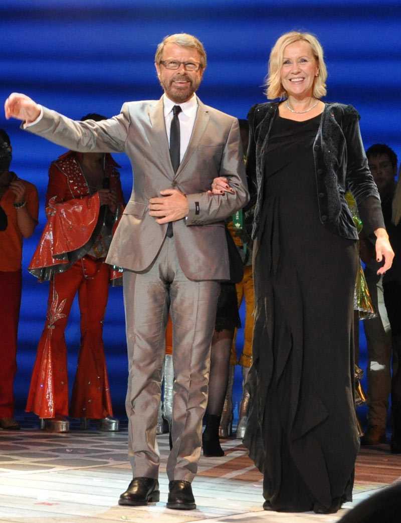 """Thank you for the music De forna ABBA-medlemmarna (och forna äkta makarna) Björn Ulveus och Agnetha Fältskog tog i går emot publikens jubel efter premiären av """"Mamma Mia"""" i Köpenhamn."""