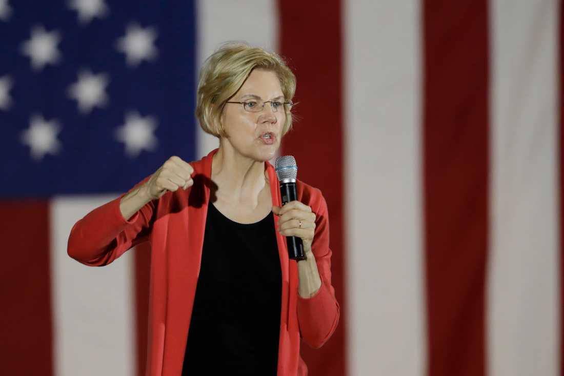 Presidentaspiranten och Massachusettssenatorn Elizabeth Warren vid ett kampanjmöte i Indiana.