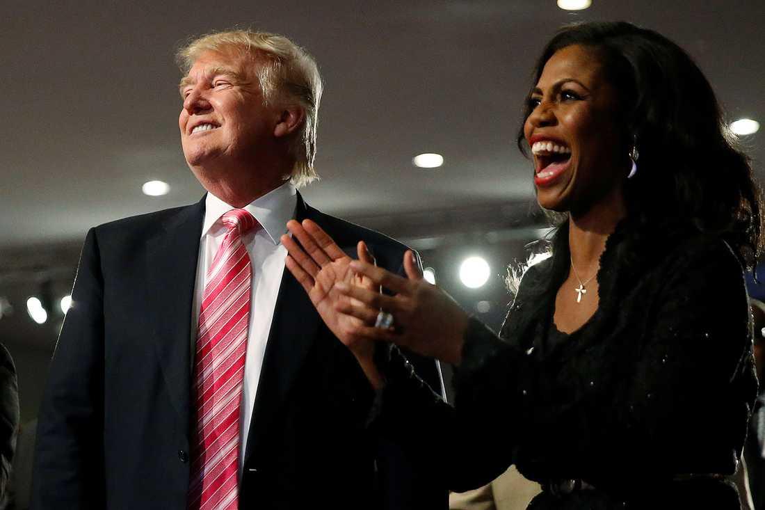 Presidentkandidaten Donald Trump och Omarosa Manigault, som leder Donald Trumps arbete för att nå ut till svarta.