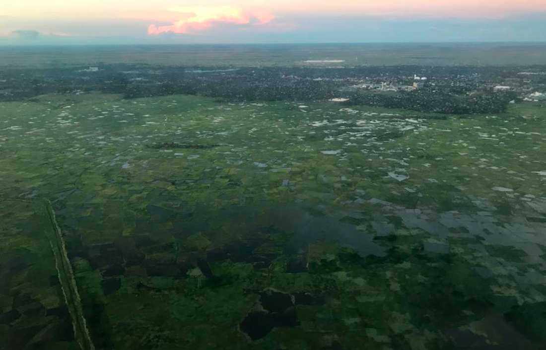 Översvämmningar efter cyklonen Idai vid Beira Airport, Mozambique.
