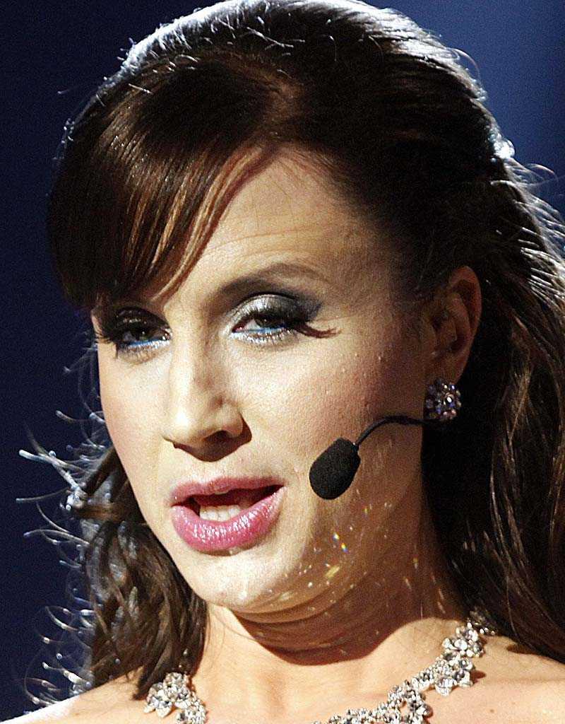 kan ersättas Ett spelbolag har redan utsett Petra Medes ersättare som programledare för Melodifestivalen.