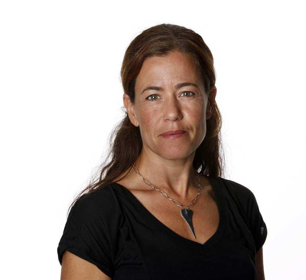 """Petra Thorén Hatcitat: """"Stanna hemma vid spisen din jävla Djurgårdshora."""" Kommentar: Jag viker inte ner mig för de som jag tycker är fega personer som ofta gömmer sig bakom anonymitet. Det hatet med förutfattade meningar får aldrig segra. Ofta vänder uppfattningen när man tar kontakt med personen."""