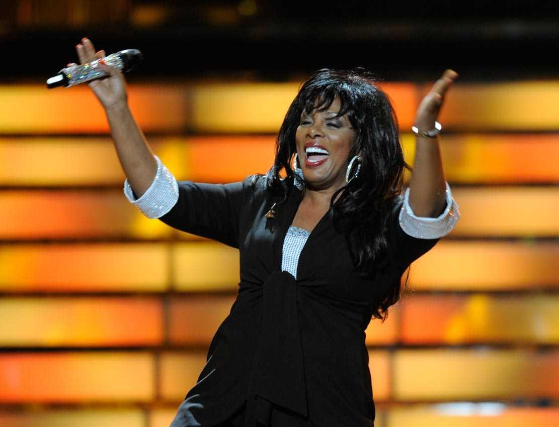 """Under amerikanska """"Idol""""-finalen i maj 2008 uppträdde artisten."""