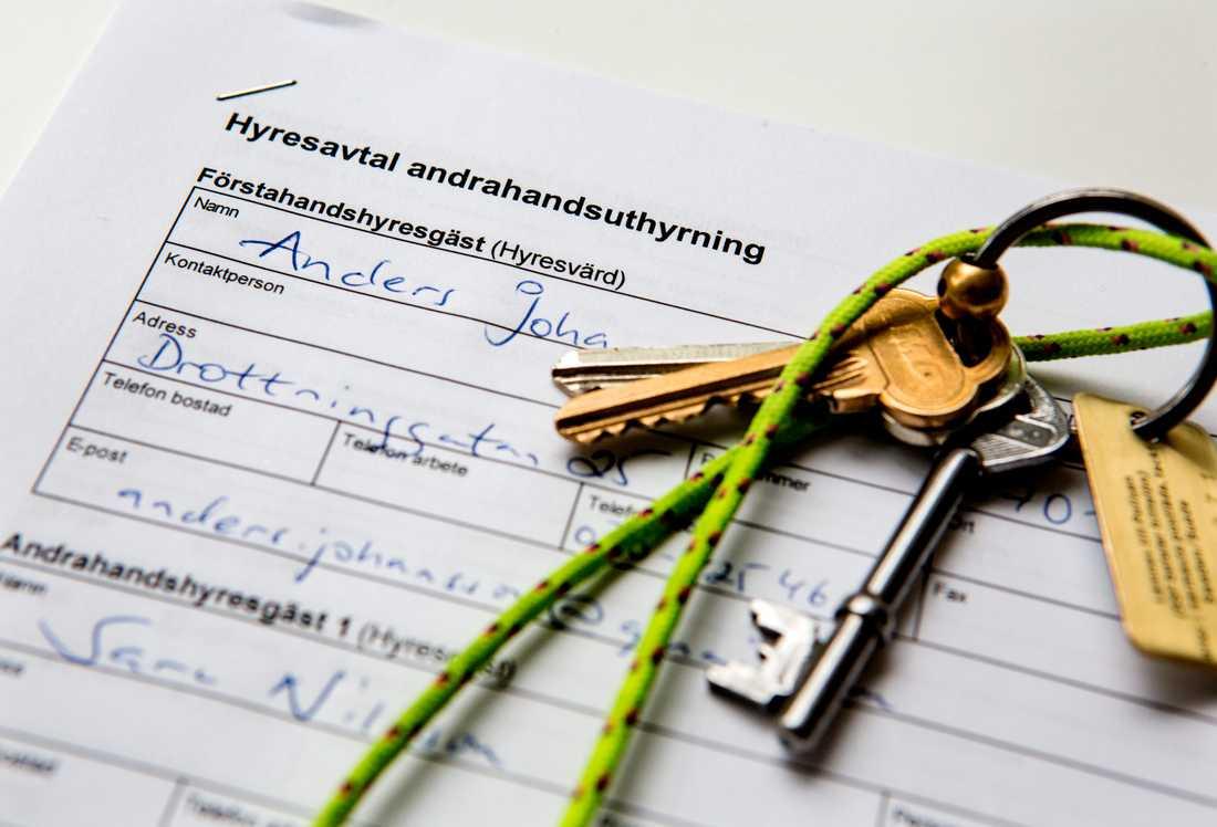 Att hyra en lägenhet i andra hand kan vara en lösning för många med bostadsbekymmer, men riskerna är också stora. Arkivbild.